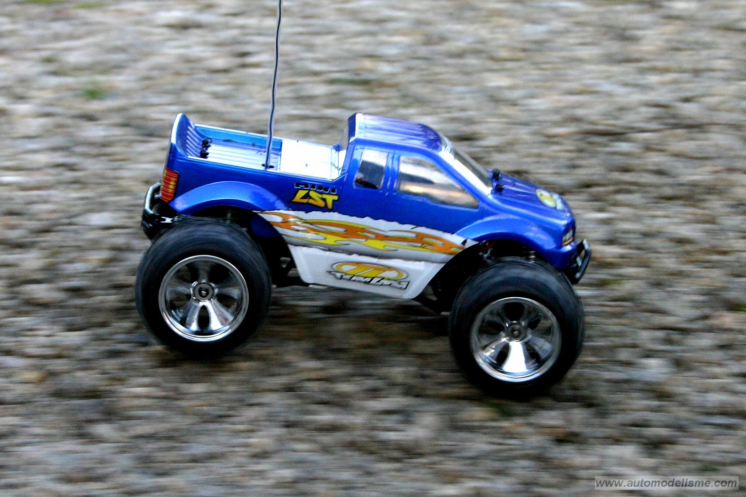 losi the leaders in rc car and truck innovation and design